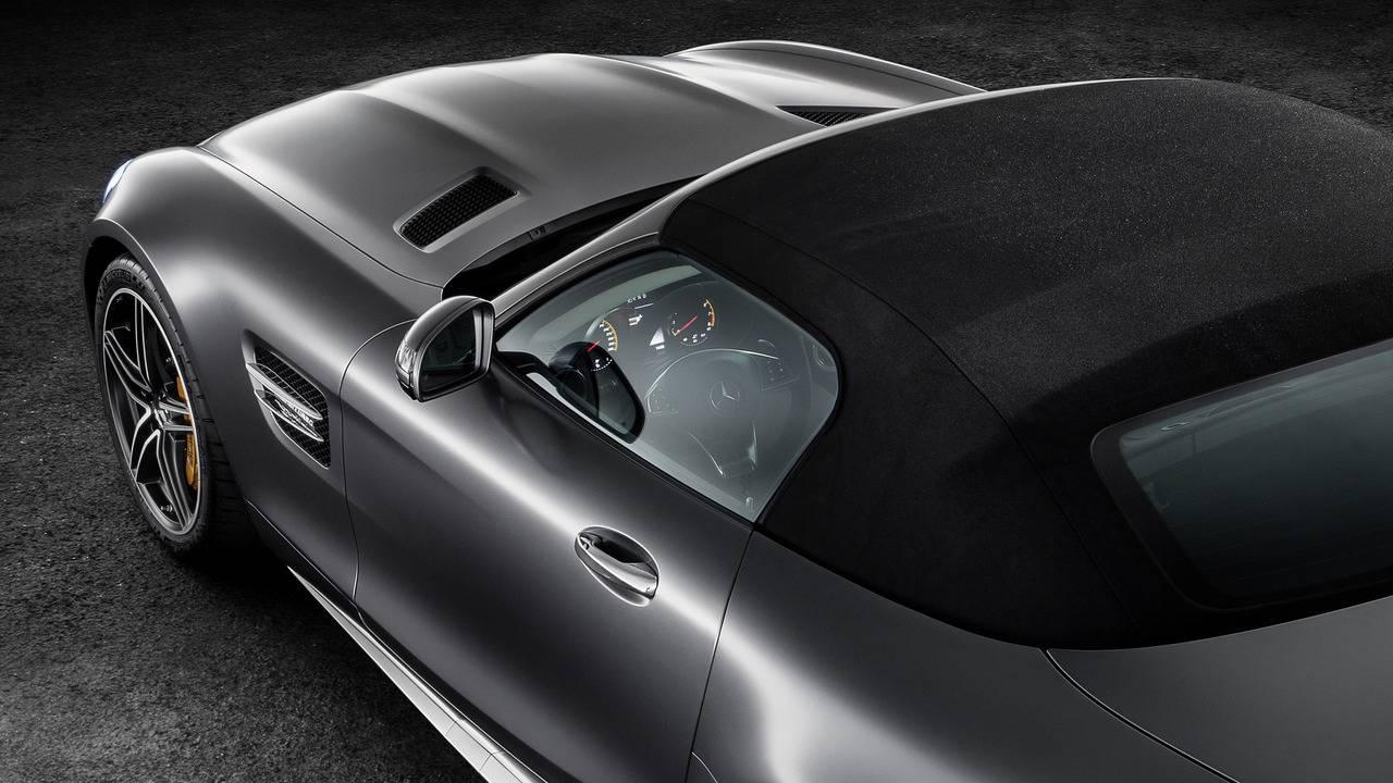 https://cdn.cnngreece.gr/media/news/2016/09/17/46729/photos/snapshot/Mercedes-AMG-GT-Roadster-12.jpg
