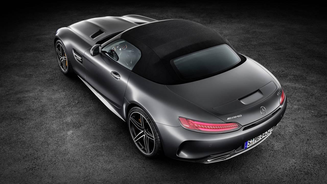 https://cdn.cnngreece.gr/media/news/2016/09/17/46729/photos/snapshot/Mercedes-AMG-GT-Roadster-13.jpg
