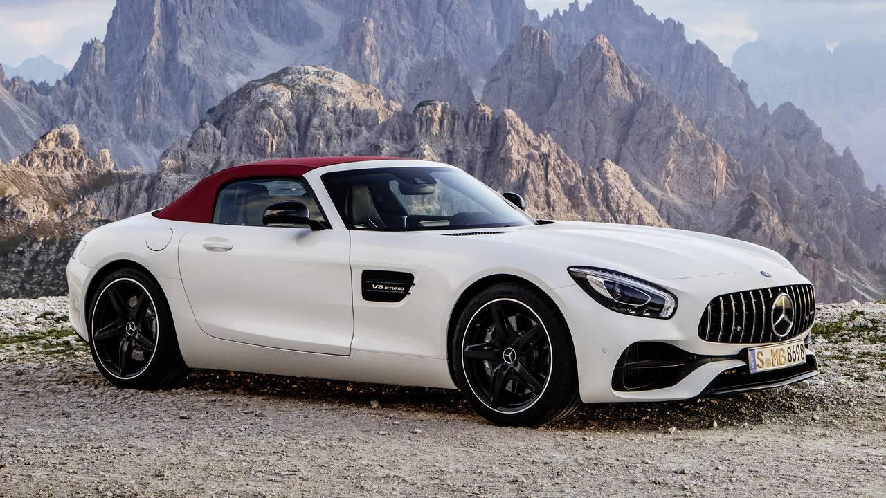 https://cdn.cnngreece.gr/media/news/2016/09/17/46729/photos/snapshot/Mercedes-AMG-GT-Roadster-18.jpg