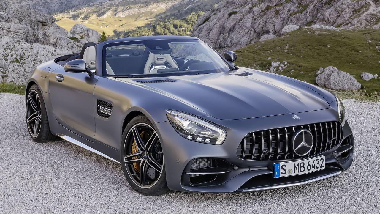 https://cdn.cnngreece.gr/media/news/2016/09/17/46729/photos/snapshot/Mercedes-AMG-GT-Roadster-19.jpg