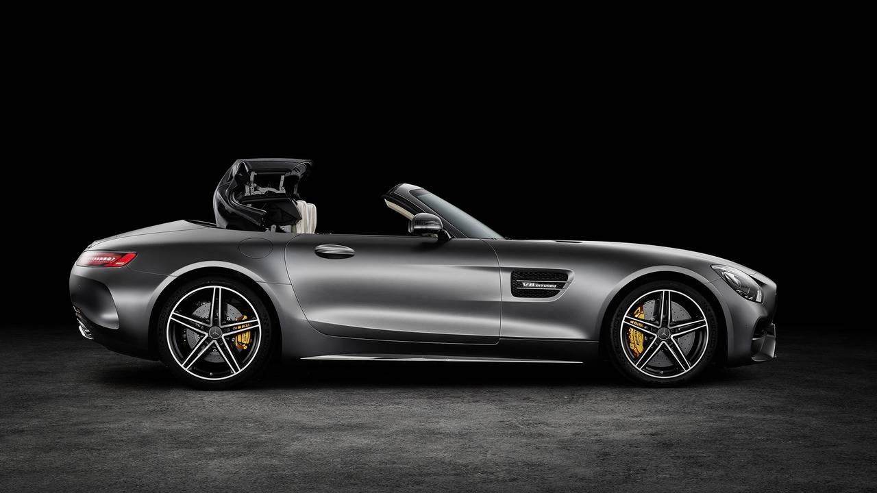 https://cdn.cnngreece.gr/media/news/2016/09/17/46729/photos/snapshot/Mercedes-AMG-GT-Roadster-5.jpg