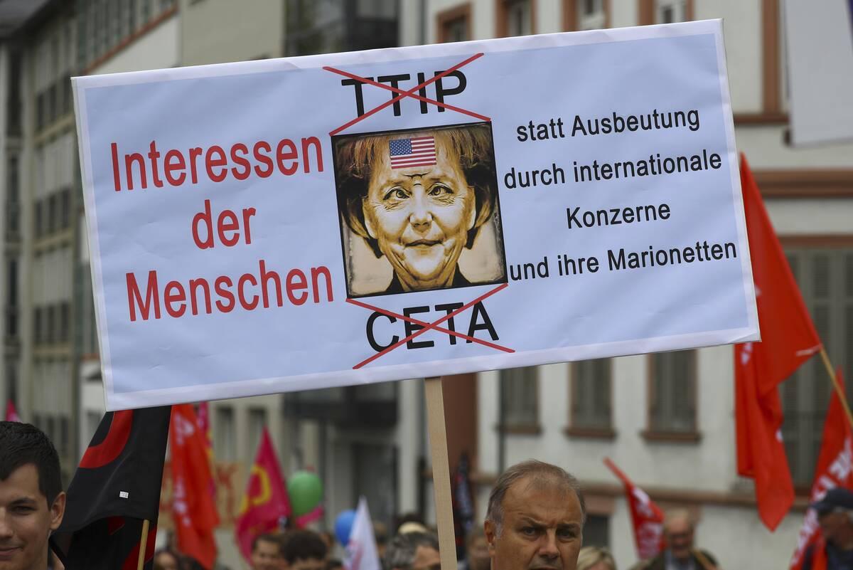 TTIP Merkel 2016 09 17T124539Z 526408747 LR1EC9H0ZFSWA RTRMADP 3 EU USA TTIP