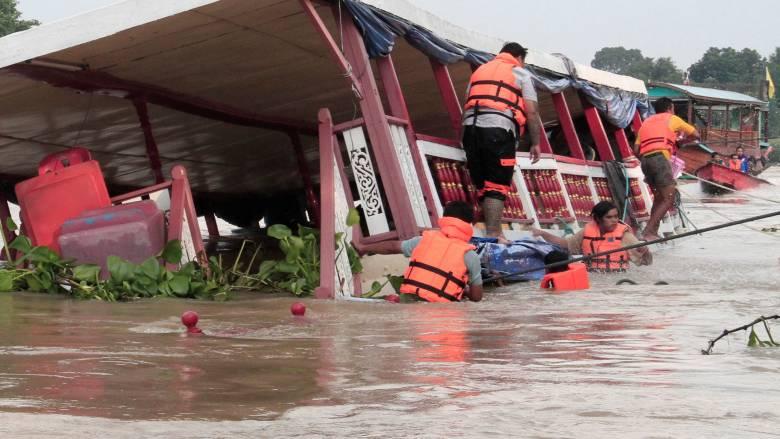 Ταϊλάνδη: Νεκροί και δεκάδες αγνοούμενοι από βύθιση πλοίου
