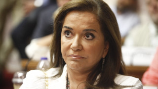 Τηλεοπτικές άδειες: Ο διαγωνισμός είναι φιάσκο, λέει η Ντόρα Μπακογιάννη