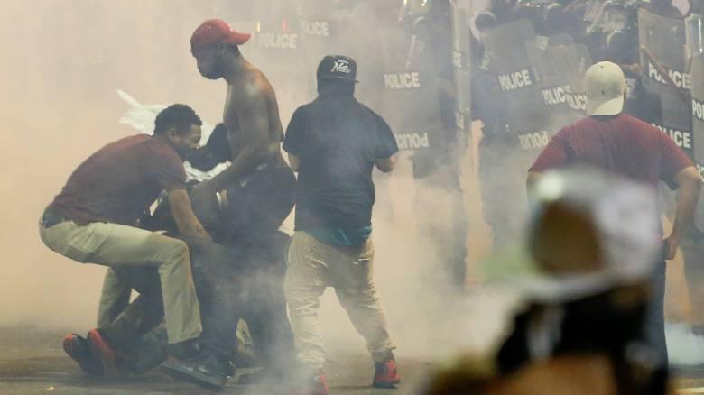 ΗΠΑ: Σε κατάσταση έκτακτης ανάγκης το Σάρλοτ, χαροπαλεύει διαδηλωτής