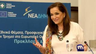 Η Ν. Μπακογιάννη για τις τηλεοπτικές άδειες: Η κυβέρνηση απέτυχε παταγωδώς