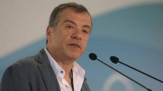 Tηλεοπτικές άδειες: Η κυβέρνηση προσθέτει χάος πάνω στο χάος, λέει ο Στ. Θεοδωράκης