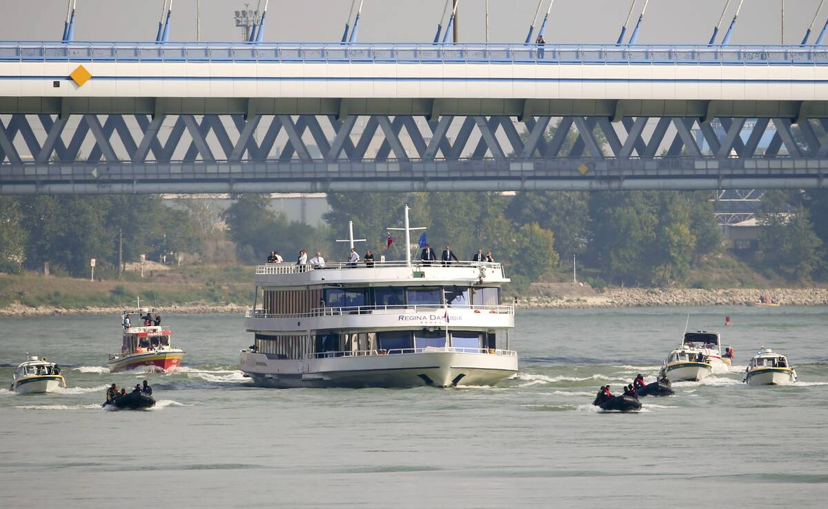 Bratislava cruise 2016 09 16T125849Z 959579750 LR1EC9G101QPE RTRMADP 3 EU SUMMIT