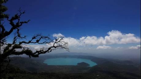 Η ηφαιστειογενής λίμνη Κοατεπέκ στο Ελ Σαλβαδόρ