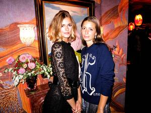 """Jacquetta Wheeler και Lucy O'Day στο πάρτι της Vogue""."