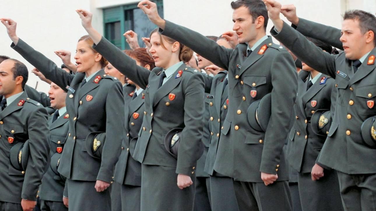 «Ειδικό» ειδικό μισθολόγιο για τους νέους στρατιωτικούς