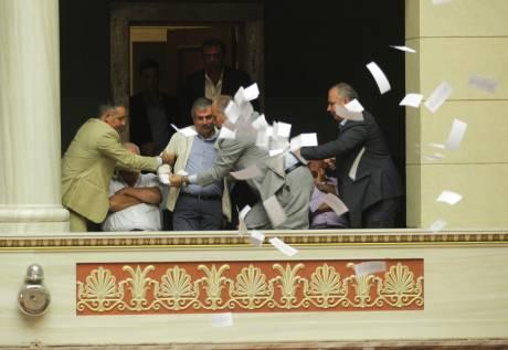 Λεουτσάκος - Πετράκος πέταξαν φέιγ βολάν κατά της ιδιωτικοποίησης της ΕΥΔΑΠ