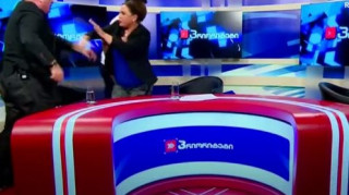 Μπουνιές και μπουγέλο on air σε debate πολιτικών στην Γεωργία (vid)