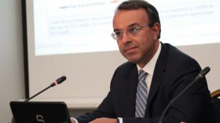 «Πόλεμος» κυβέρνησης-ΝΔ για συνεργάτη του Σταϊκούρα
