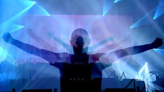 «Αυτά τα συστήματα απέτυχαν», διακηρύττει το νέο άλμπουμ του Moby