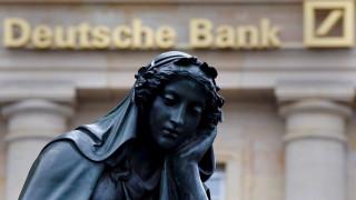 Η Deutsche Bank τρομάζει κυβερνήσεις και επενδυτές