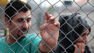 Οι Βρυξέλλες εγκλωβίζουν τους πρόσφυγες στο Αιγαίο;