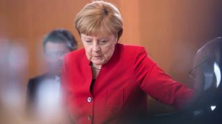 Τριβές στο κόμμα της Μέρκελ προκαλεί το ελληνικό χρέος