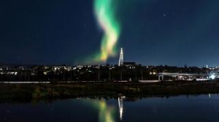 Aurora borealis: Το Ρέικιαβικ έσβησε τα φώτα για να απολαύσει το θέαμα (pics & vid)