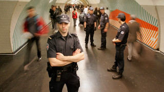 Γαλλία: Ένοπλα στελέχη της ασφάλειας θα κυκλοφορούν με πολιτικά σε μετρό και τρένο