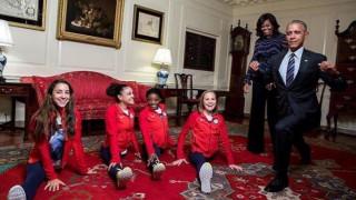 Ο Μπάρακ Ομπάμα κάνει... ενόργανη στον Λευκό Οίκο