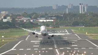 Ανώμαλη προσγείωση Airbus στο Μπέρμιγχαμ λόγω ισχυρών ανέμων (vid)