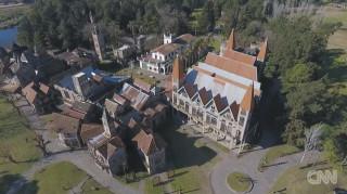 Ένα μεσαιωνικό χωριό χτισμένο από... σκουπίδια!
