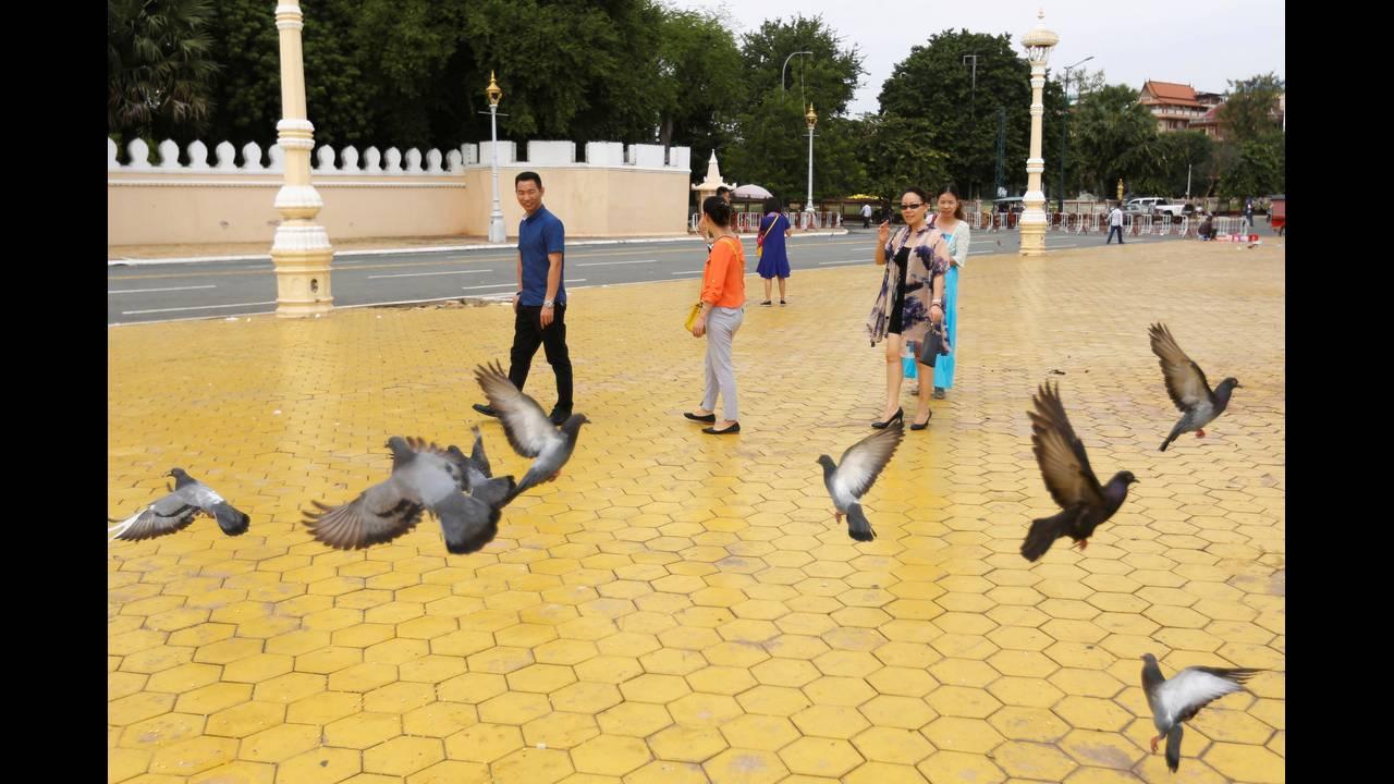 https://cdn.cnngreece.gr/media/news/2016/10/03/48780/photos/snapshot/CHINA-TOURISM-GOLDENWEEKREUTERSSamrang-Pring1.jpg