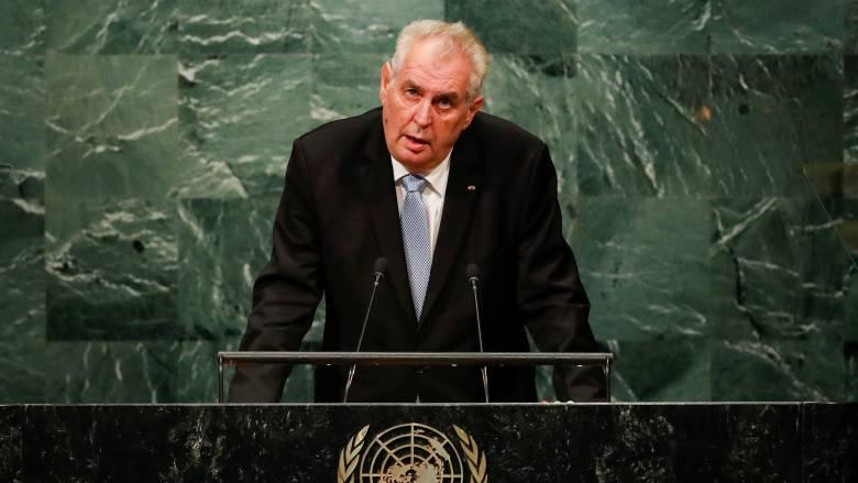 Τσέχος πρόεδρος: Οι οικονομικοί μετανάστες να απελαθούν στα «ακατοίκητα ελληνικά νησιά»