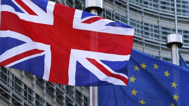 Φοβίζει τους επενδυτές ένα Brexit με σκληρούς όρους