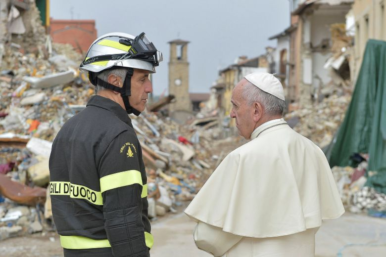 2016 10 04T084638Z 1151397759 S1BEUEZTBAAB RTRMADP 3 POPE AMATRICE QUAKE