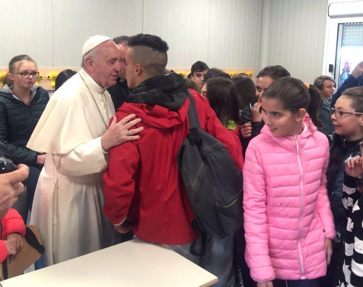 2016 10 04T094841Z 1976947034 S1BEUEZYOFAA RTRMADP 3 ITALY QUAKE POPE