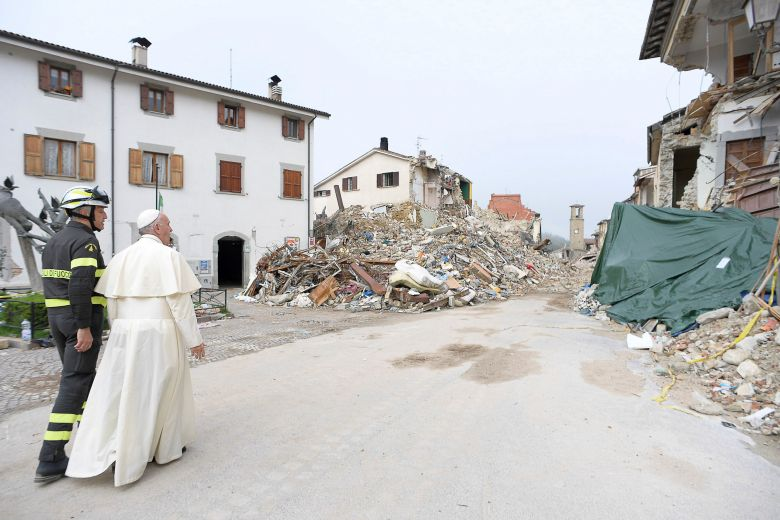 2016 10 04T094930Z 902052095 S1BEUEZYQCAA RTRMADP 3 ITALY QUAKE POPE