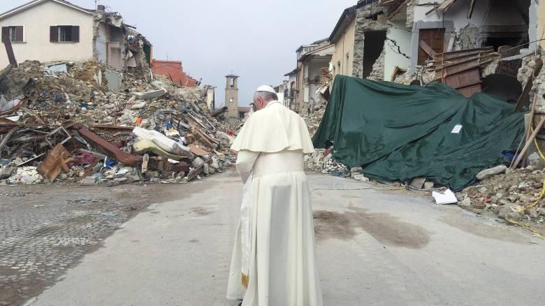 Στο πλευρό των σεισμόπληκτων του Αματρίτσε ο Πάπας Φραγκίσκος