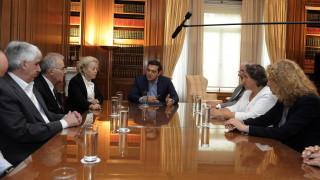 Διαβεβαιώσεις για τα μισθολόγια έδωσε ο Τσίπρας στους δικαστές