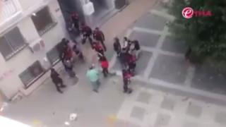 Τούρκοι αστυνομικοί σέρνουν από τα μαλλιά εργαζόμενους κουρδικού καναλιού (vid)
