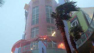 Τυφώνας Μάθιου: Εκατοντάδες νεκροί στην Αϊτή, σε συναγερμό οι νοτιοανατολικές ΗΠΑ