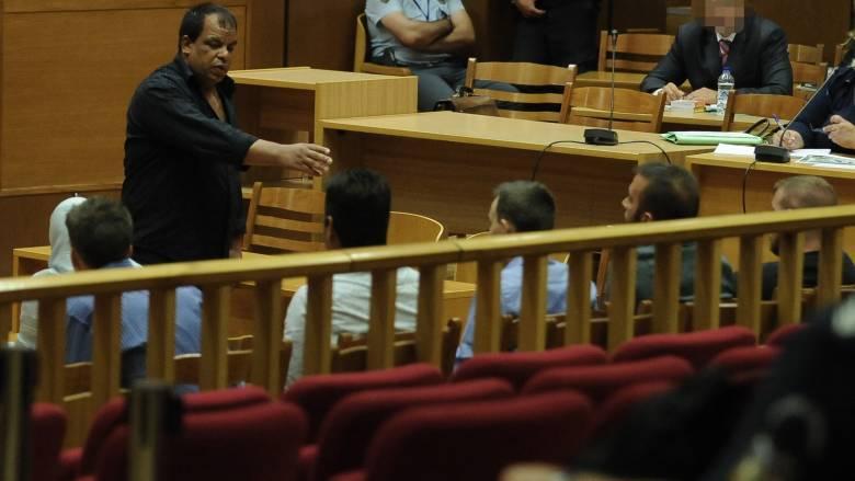 Δίκη Χρυσής Αυγής: Αναγνωρίστηκε και ο πέμπτος κατηγορούμενος για την επίθεση στο Πέραμα