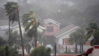 Σαρώνει τη Φλόριντα ο τυφώνας Μάθιου - Μία γυναίκα νεκρή