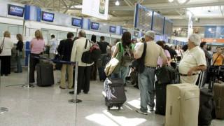 Καθηλωμένα από την Κυριακή τα αεροπλάνα - Απεργούν οι ελεγκτές εναέριας κυκλοφορίας