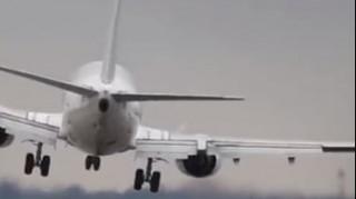 Προσγείωση αεροσκάφους στην Πράγα που κόβει την ανάσα (vid)