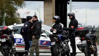 Σε κρίσιμη κατάσταση ο Γάλλος αστυνομικός έπειτα από επίθεση με βόμβες μολότοφ