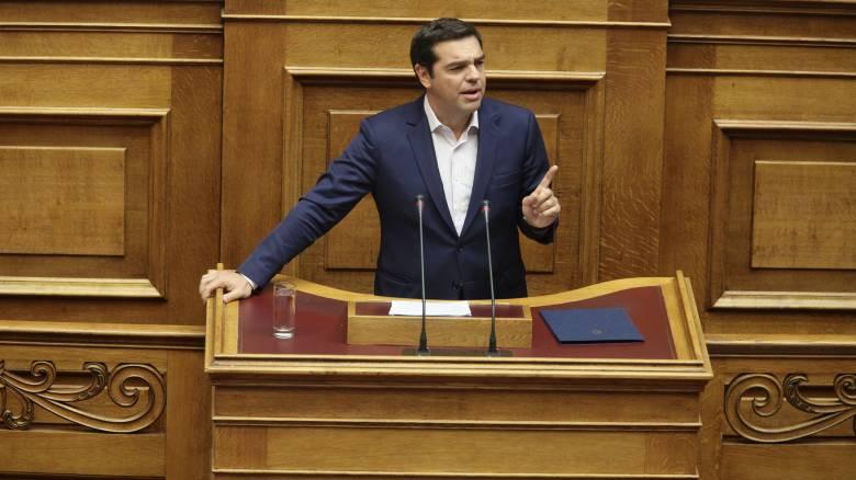 Να «στριμώξει» τη ΝΔ για τη διαπλοκή θα επιδιώξει ο Αλ. Τσίπρας στη Βουλή