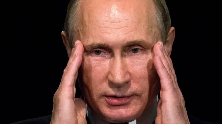 Ο Β.Πούτιν θα πάει στο Παρίσι παρά τις επιφυλάξεις του Φ.Ολάντ για συνάντησή τους