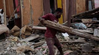 Έφτασαν τους 1.000 οι νεκροί από τον τυφώνα Μάθιου στην Αϊτή