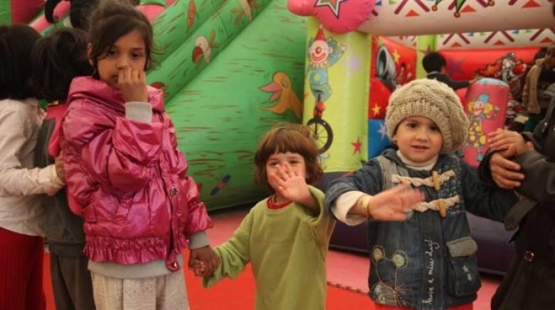 Με 12 λεωφορεία η μεταφορά των προσφυγόπουλων στα σχολεία