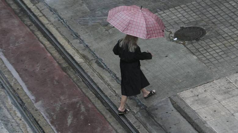 Βροχές και καταιγίδες την Τρίτη