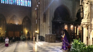 Ορθόδοξη λειτουργία στην Παναγιά των Παρισίων