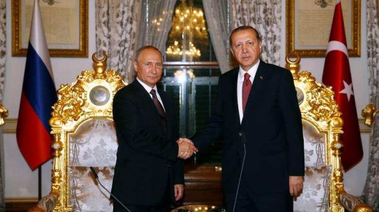 Πούτιν και Ερντογάν υπέγραψαν την κατασκευή του αγωγού Turkish Stream