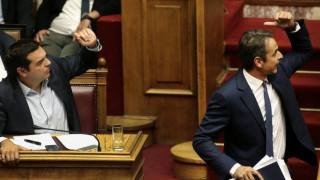 Συνεχίζεται και εκτός Βουλής η κόντρα Τσίπρα-Μητσοτάκη